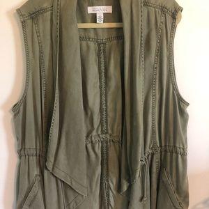 Kenneth Cole size 1x olive drape front vest